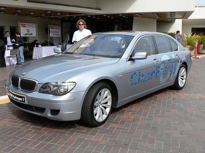 Brangelina – BMW Hydrogen 7