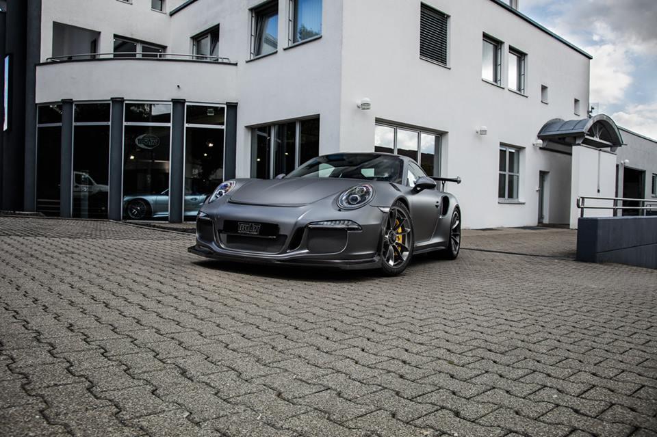 Carbonated Porsche 911 GT3 RS (front2)