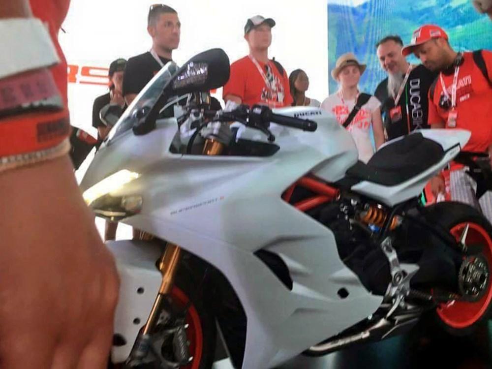 Ducati 939 SuperSport 2