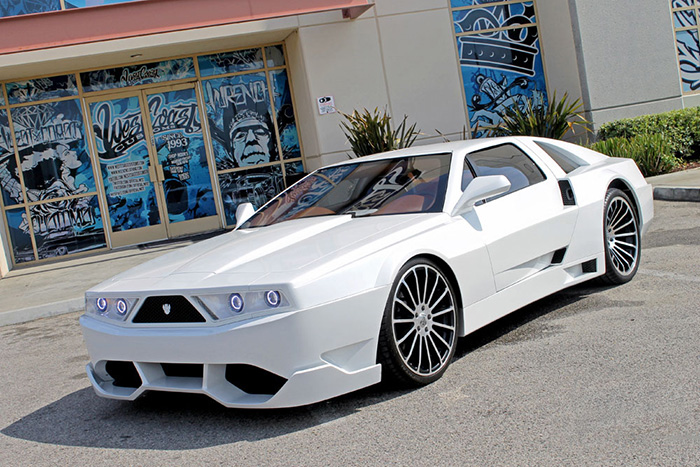 Will I Am – Custom DeLorean