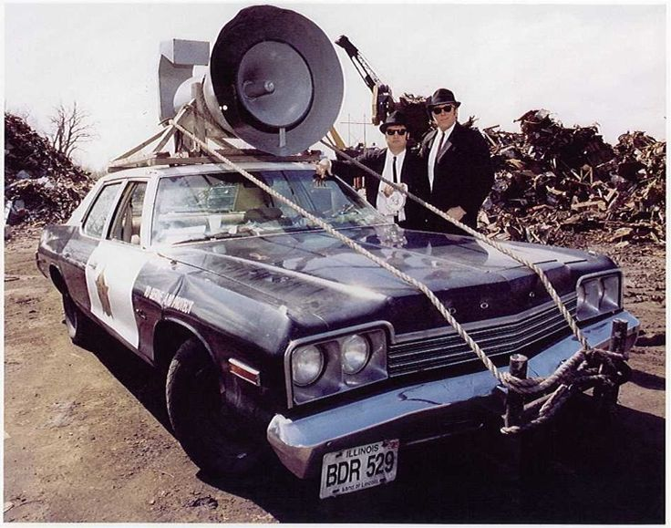 Hollywood's Top 10 Craziest Movie Cars!
