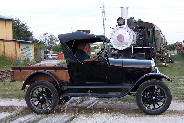 Revolutionary Pickup Truck 1926model T Show 03