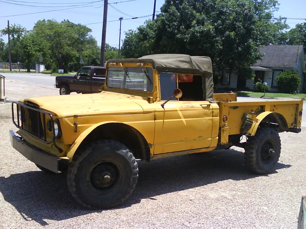 Badass Trucks & Cool SUVs - 1967 M715 Kaiser Jeep