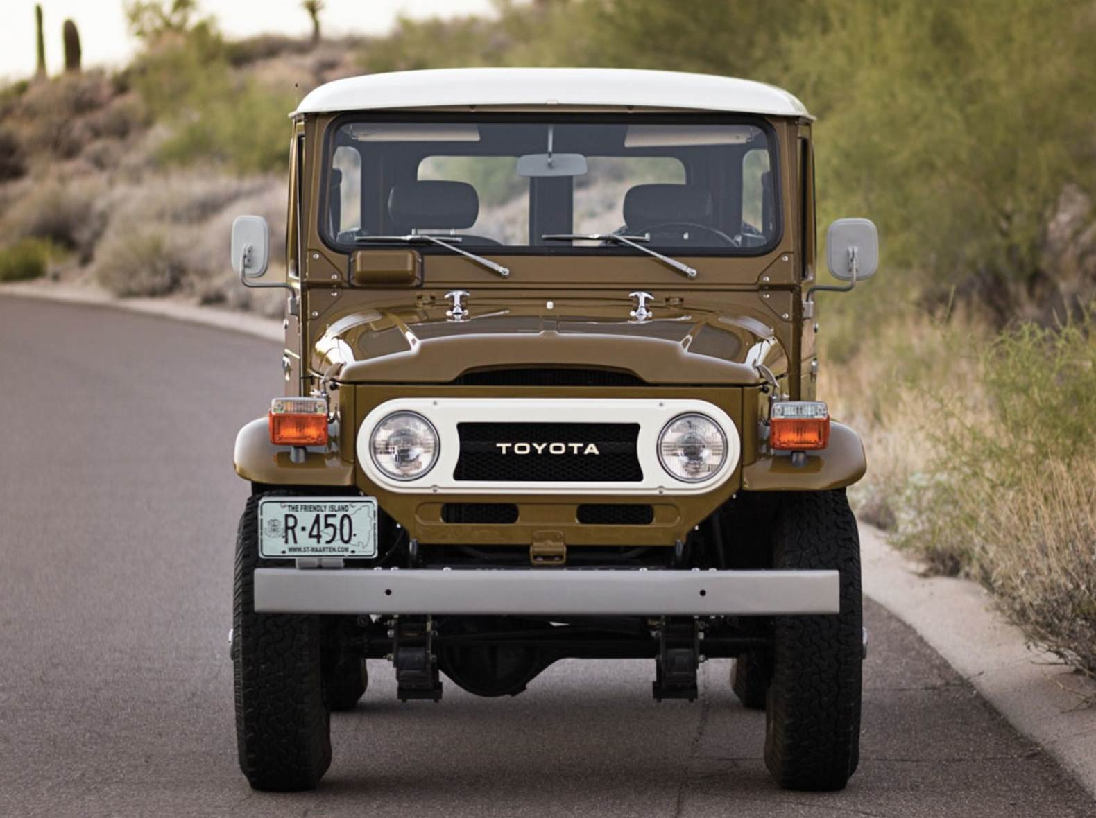 Badass Trucks & Cool SUVs - 1977 Toyota FJ40 Land Cruiser