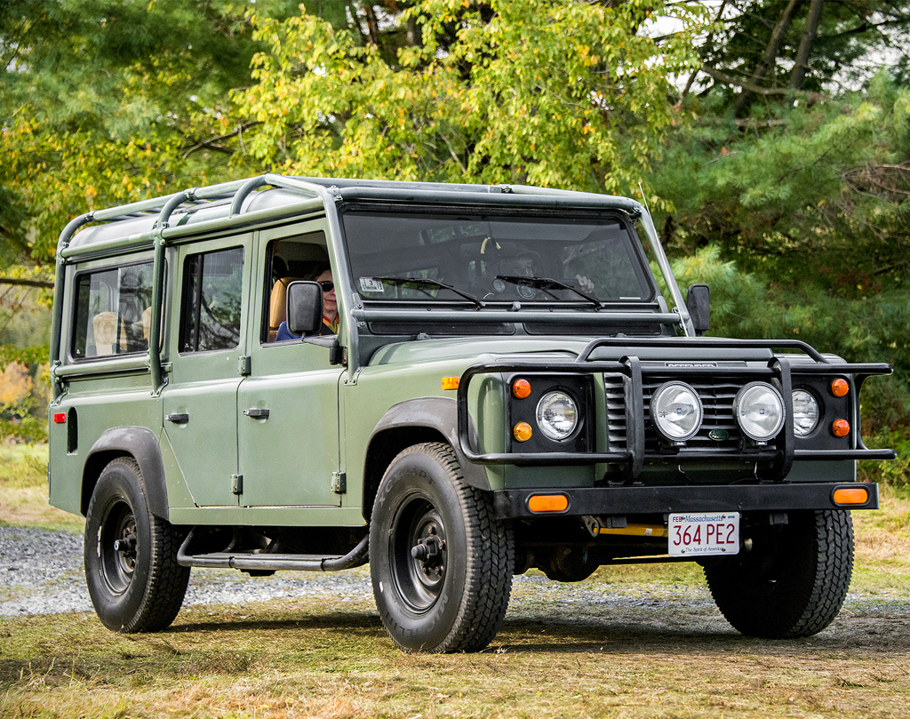 Badass Trucks & Cool SUVs - 1987 Land Rover Defender