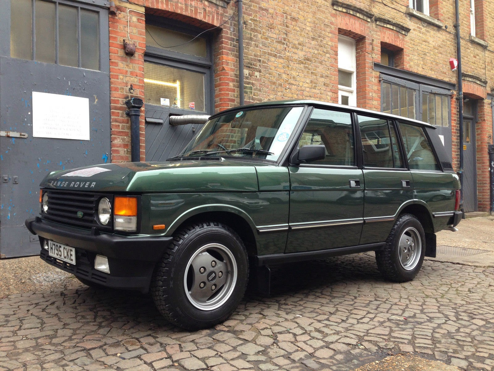 1990-Land-Rover-Range-Rover-Vogue