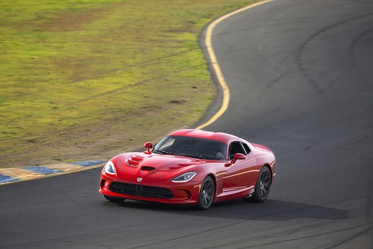 fastest american car - 2015 Dodge Viper SRT