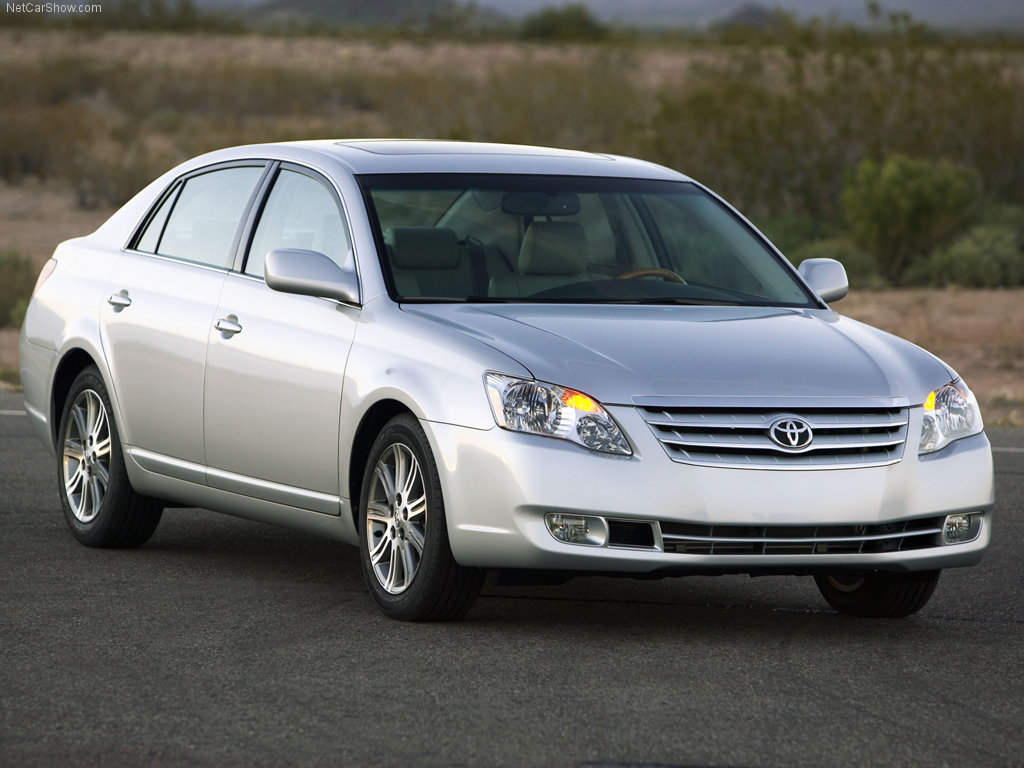 2006 Toyota Avalon is one of the best used cars under 8000