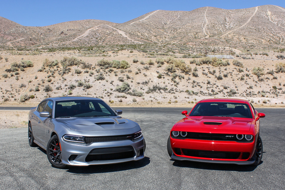 2015-dodge-charger-and-challenger-srt-hellcats-970x647-c