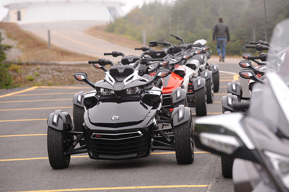 Can Am Spyders In A Line