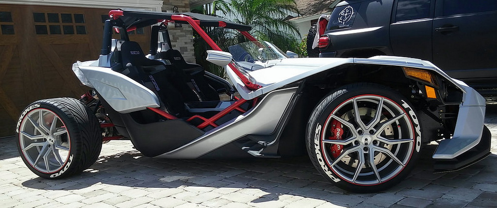 Polaris Slingshot Gets Awesome Fourth Wheel Modification - Image 04