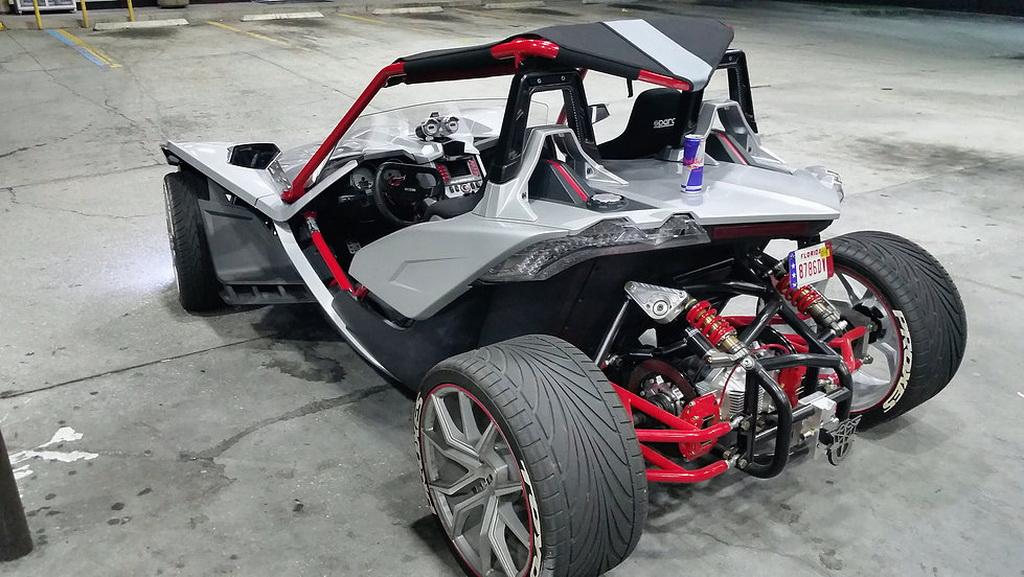 Polaris Slingshot Gets Awesome Fourth Wheel Modification - Image 08