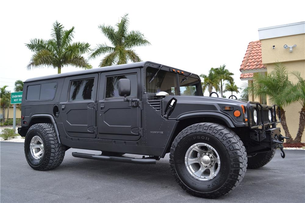 Badass Trucks & Cool SUVs - Hummer H1