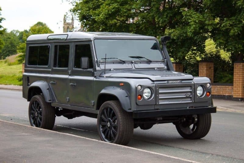 box shaped cars - Land Rover Defender