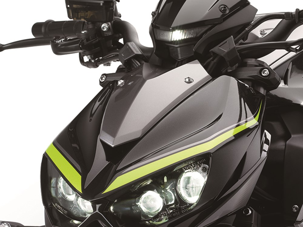 With The Standard Version Of Z1000 Coming In Metallic Spark And Gold Blazed Green Candy Burnt Orange Flat Ebony R Edition Also Comes