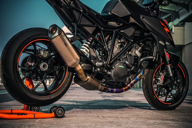 2017 KTM 1290 Super Duke R 3