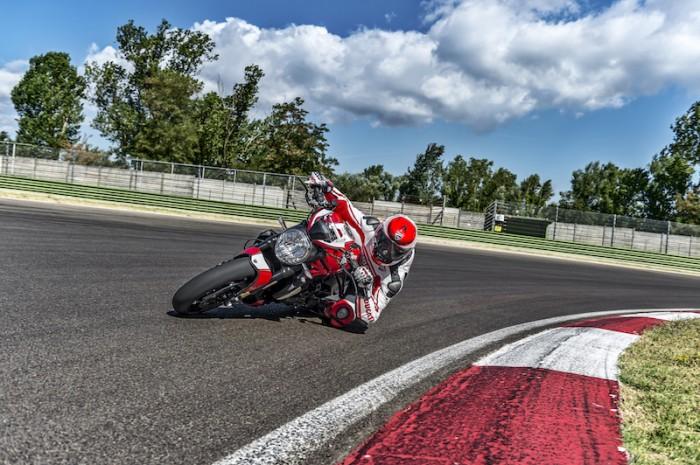 New Ducati Monster 1200s 8