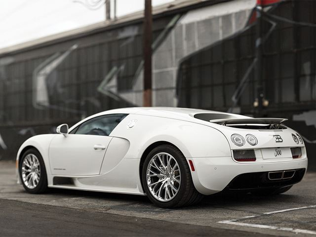 2018 bugatti veyron super sport. fine super when the super sport came to market this was increased by 20 1200hp  this from an 8l v8 with same turbocharger configuration as original  inside 2018 bugatti veyron super sport i