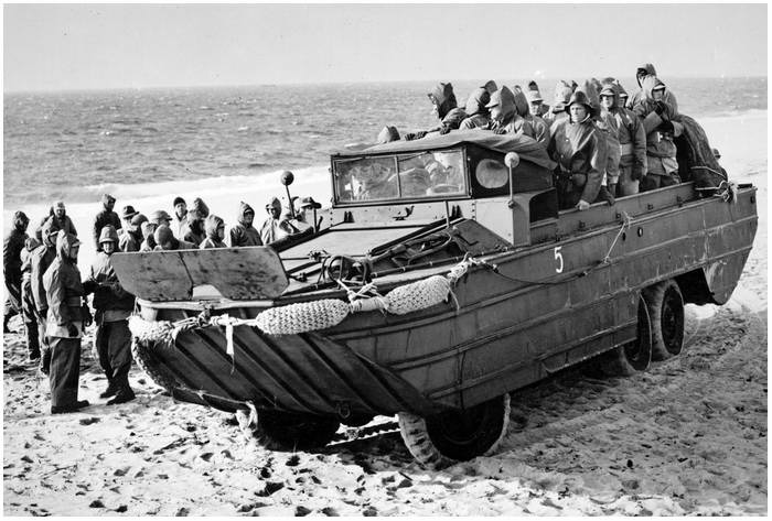 """DUKW """"DUCK"""" is a military vehicle you can actually own"""