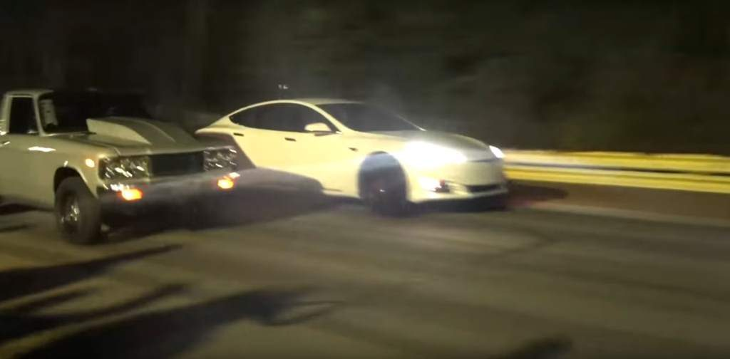 Tesla Model S P100D Drag Races A Nitrous Pickup In An Epic Future vs Past Fight