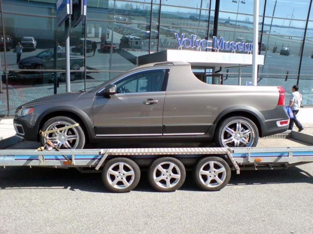 Volvo pickup truck side view trailer loading