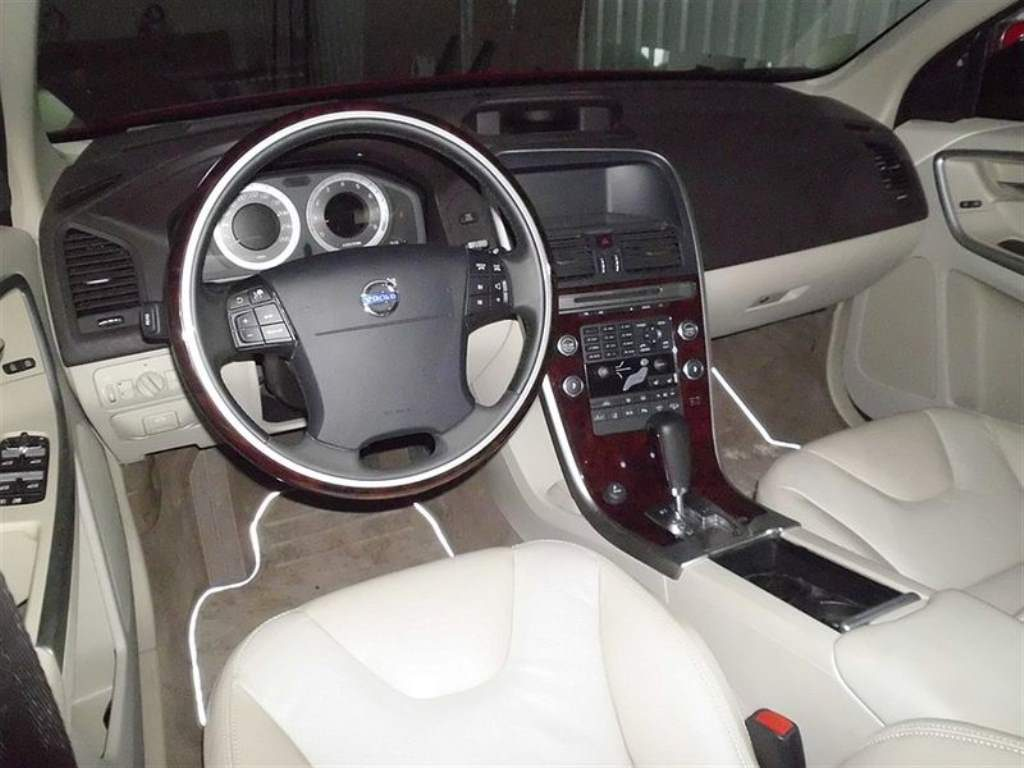 Volvo Pickup interior