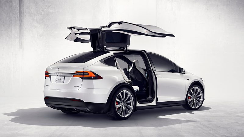 In Fact Tesla Is Known For Making Pretty Fast Cars The Model X Just Doesn T Look Not Parked Moving Even While Going