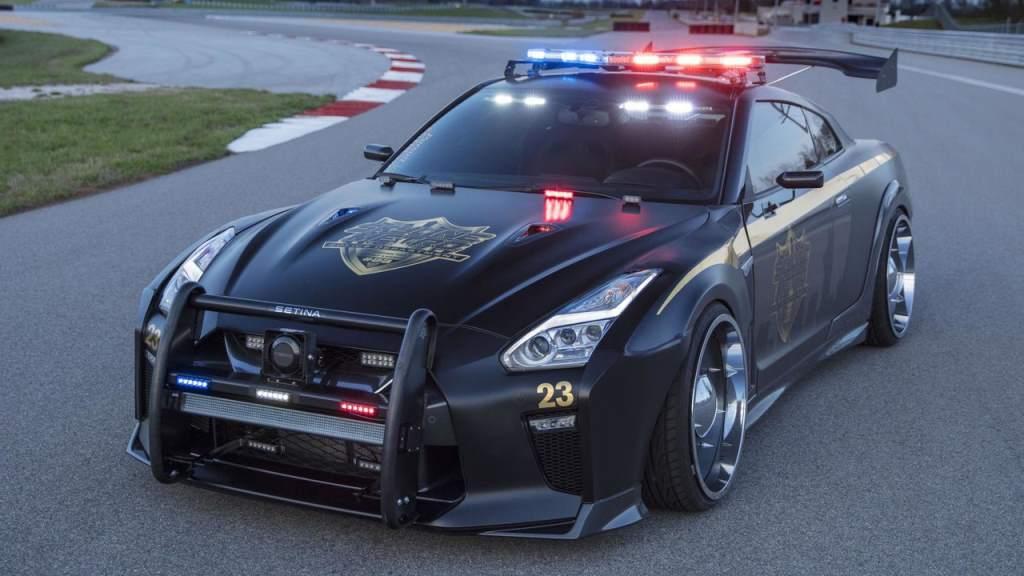 Nissan GT-R Police car