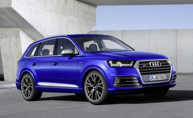 European Audi SQ7 3/4 view