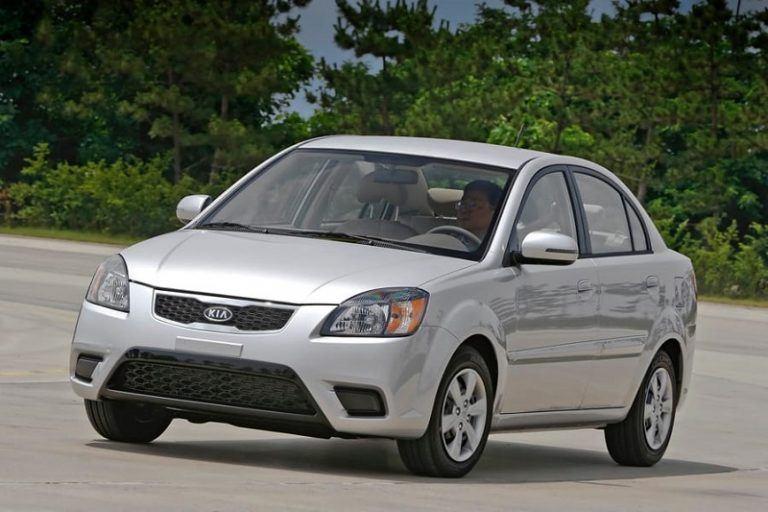 A grey Kia Rio - Top of the deadliest Cars
