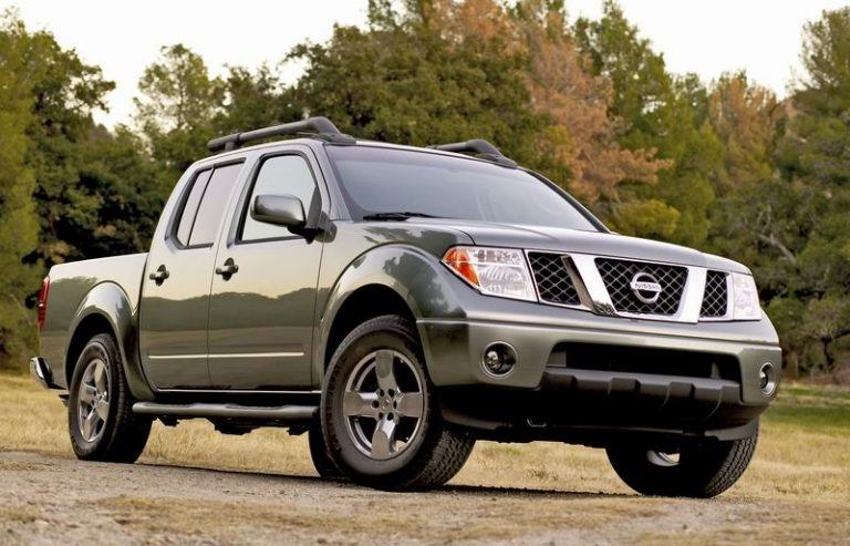 A green Nissan Frontier