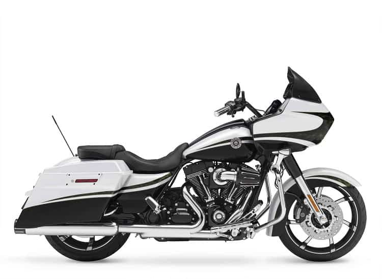 Muscle And Performance – The Top 15 Fastest Cruiser Motorcycles!