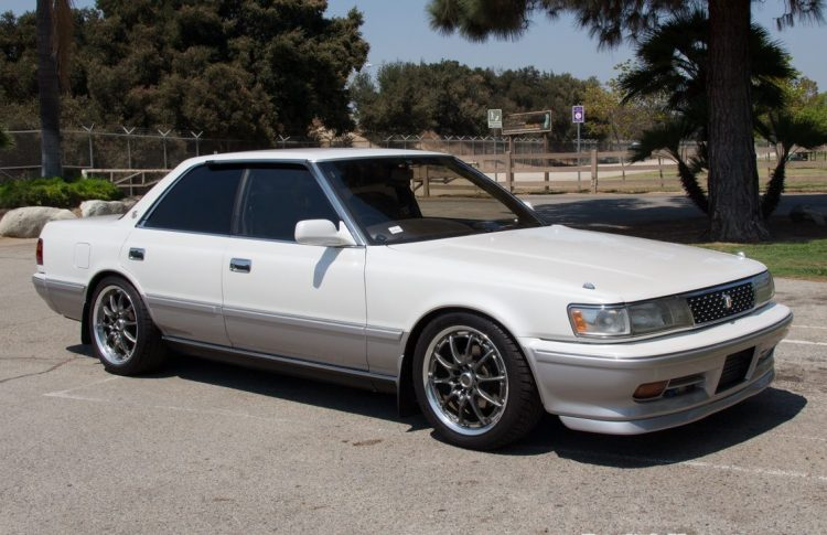Toyota Chaser Side On