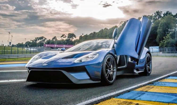 Most Powerful American Muscle Car - 2017 Ford GT