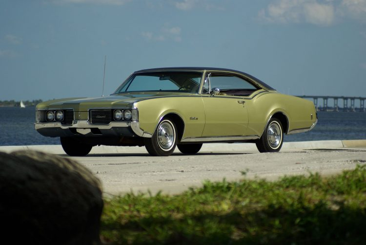 Classic Oldsmobile - 1967-1968 Delmont 88