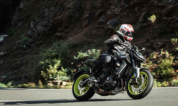 2018 Yamaha FZ-09 SP Incoming 1