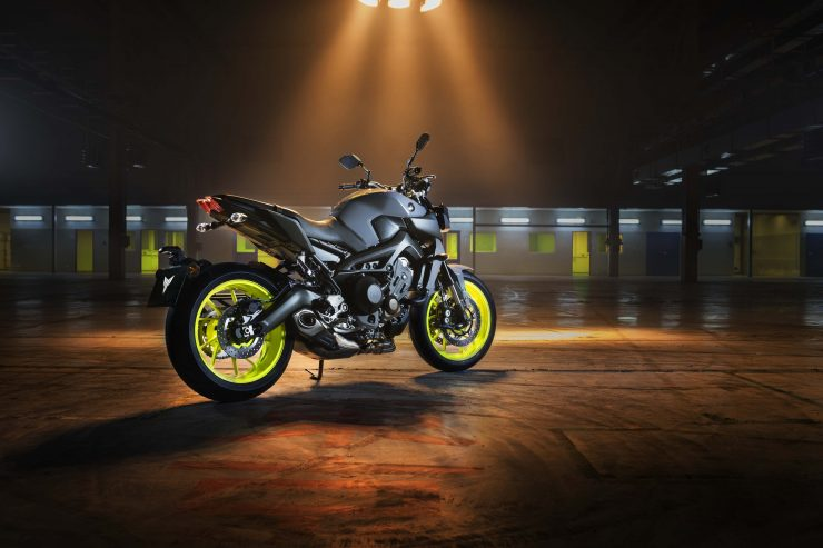 2018 Yamaha FZ-09 SP Incoming 6