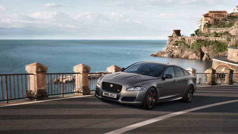 The Jaguar XJR575 is Definitely a Proper Luxury Muscle Car