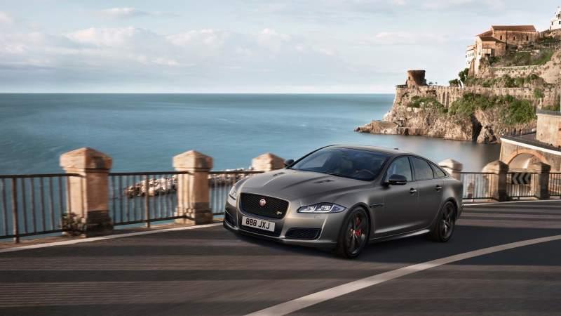 The Jaguar Xjr575 Is Definitely A Proper Luxury Muscle Car