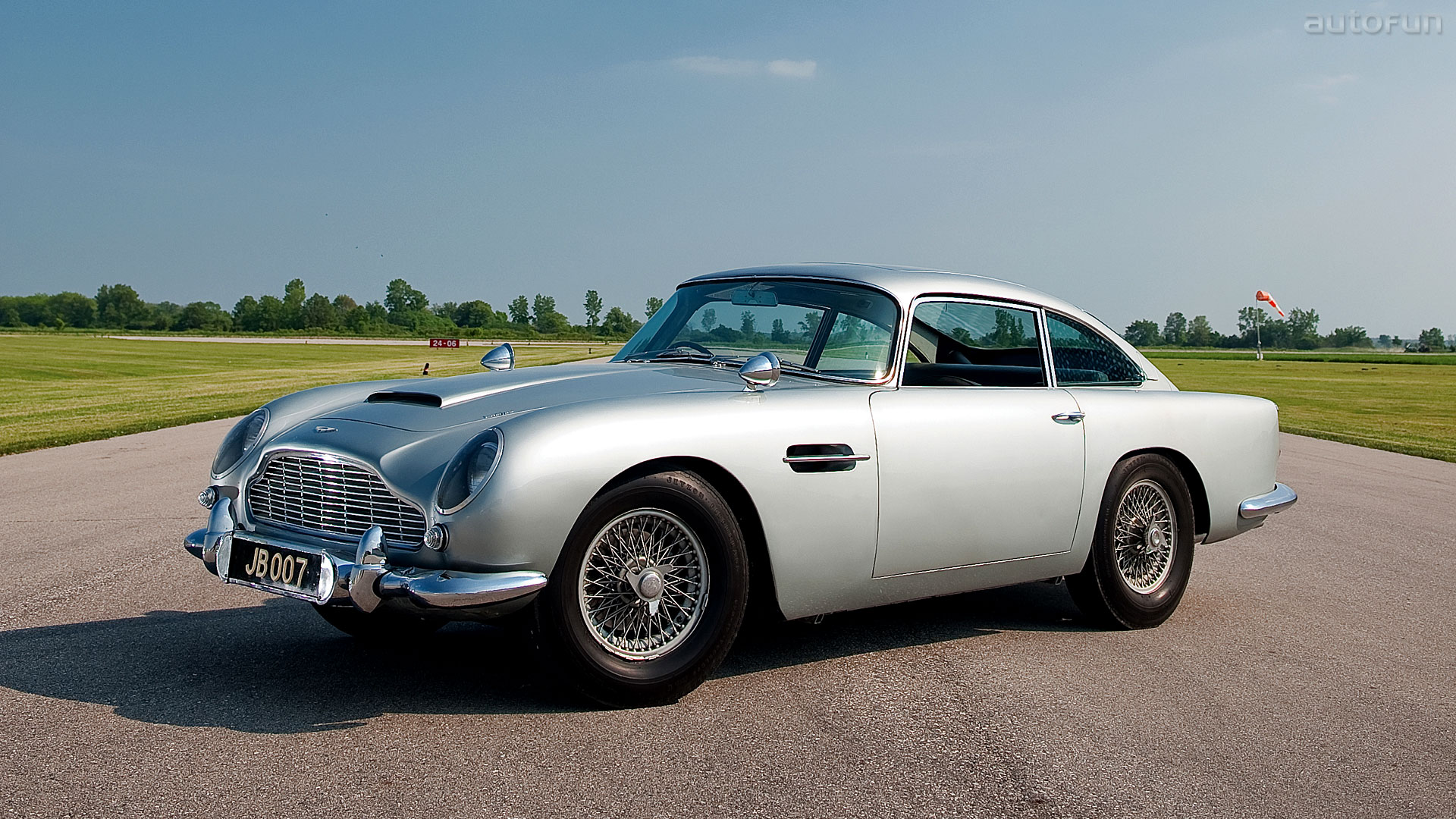 Our list of sexy cars includes the Aston Martin DB5