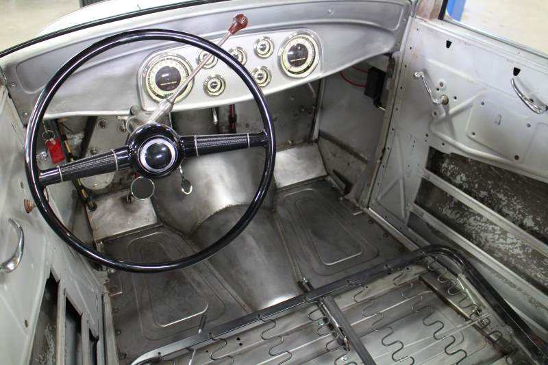 1932 Ford tudor Sedan Interior 4