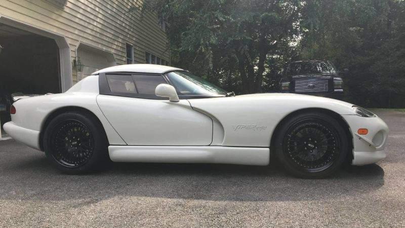 1996 Dodge Viper Supercharged profile