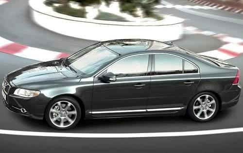 Our list of cheap luxury cars includes the 2010 Volvo S80 T6