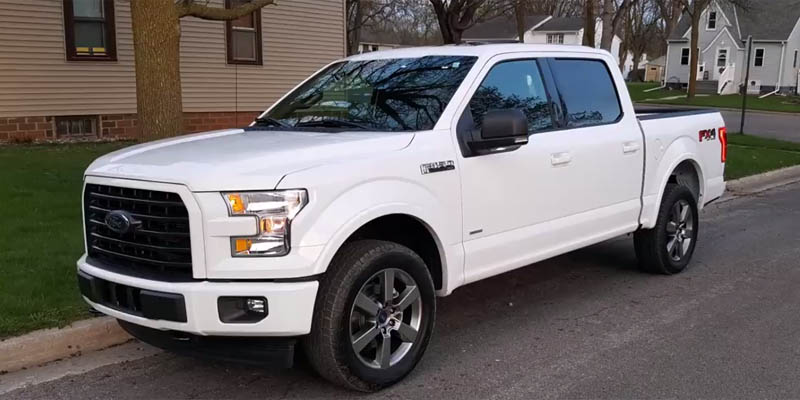 2017 Ford F-150 XLT 4x4 Front 3/4