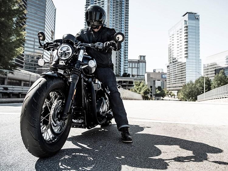 2018 Triumph Bobber Black 2