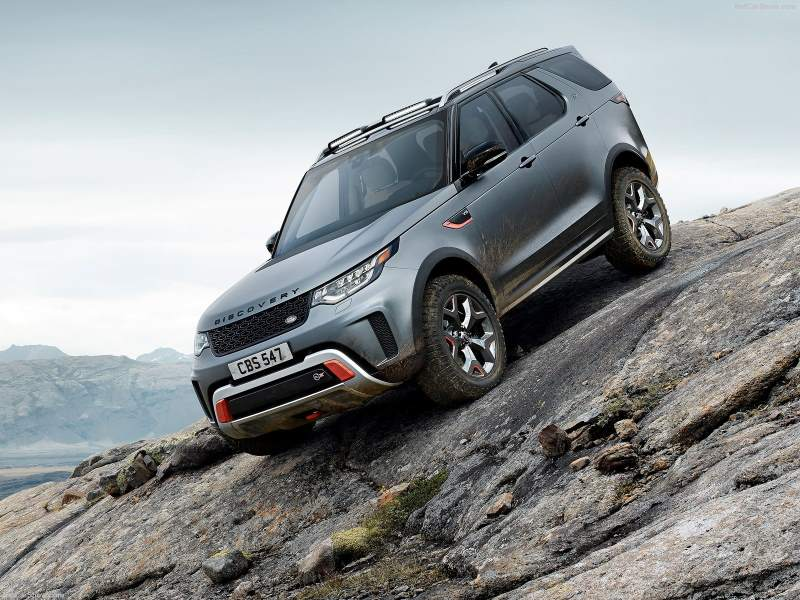 Land Rover discovery SVX Parked Descent