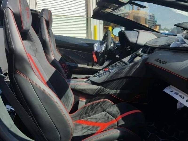 Wrecked Lamborghini Aventador SV Roadster interior