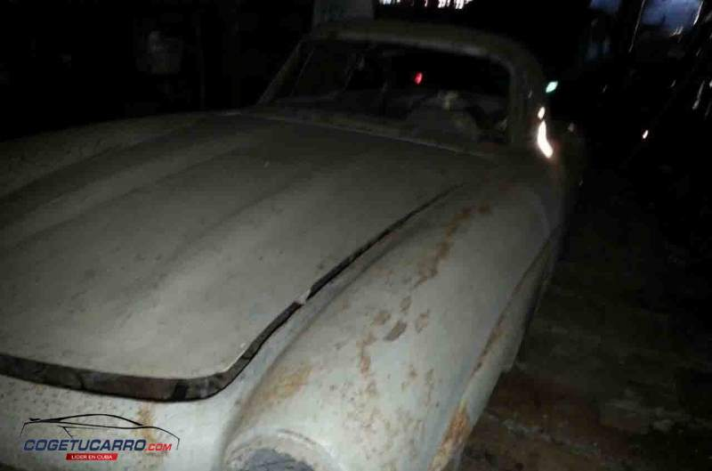 Mercedes-Benz 300SL Cuban Barn Find Front