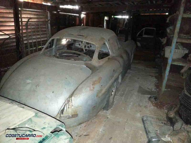 this dilapidated mercedes benz 300sl from cuba is the ultimate barn find. Black Bedroom Furniture Sets. Home Design Ideas