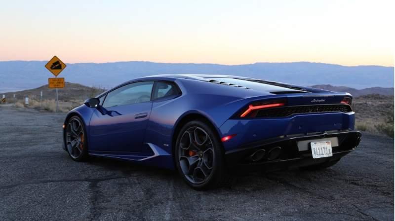 Lamborghini Huracan Blue Rear 3/4
